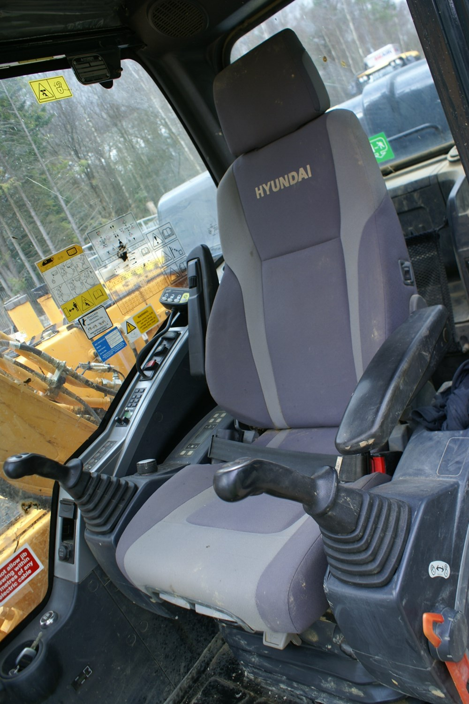 Hyundai Robex 140LC-9-gall8